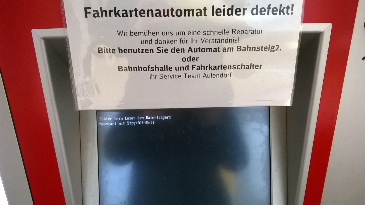 Defekter Fahrkartenautomat